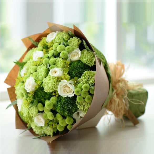 tặng hoa cẩm chướng trong ngày tốt nghiệp