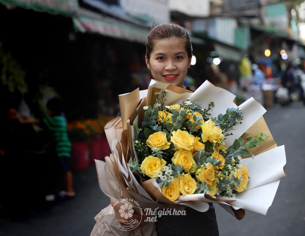 hoa sinh nhật hồng vàng
