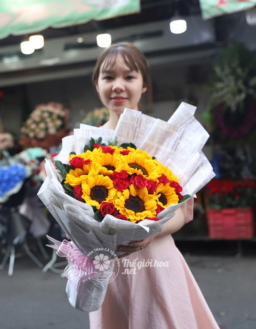 hoa sinh nhật lạc quan