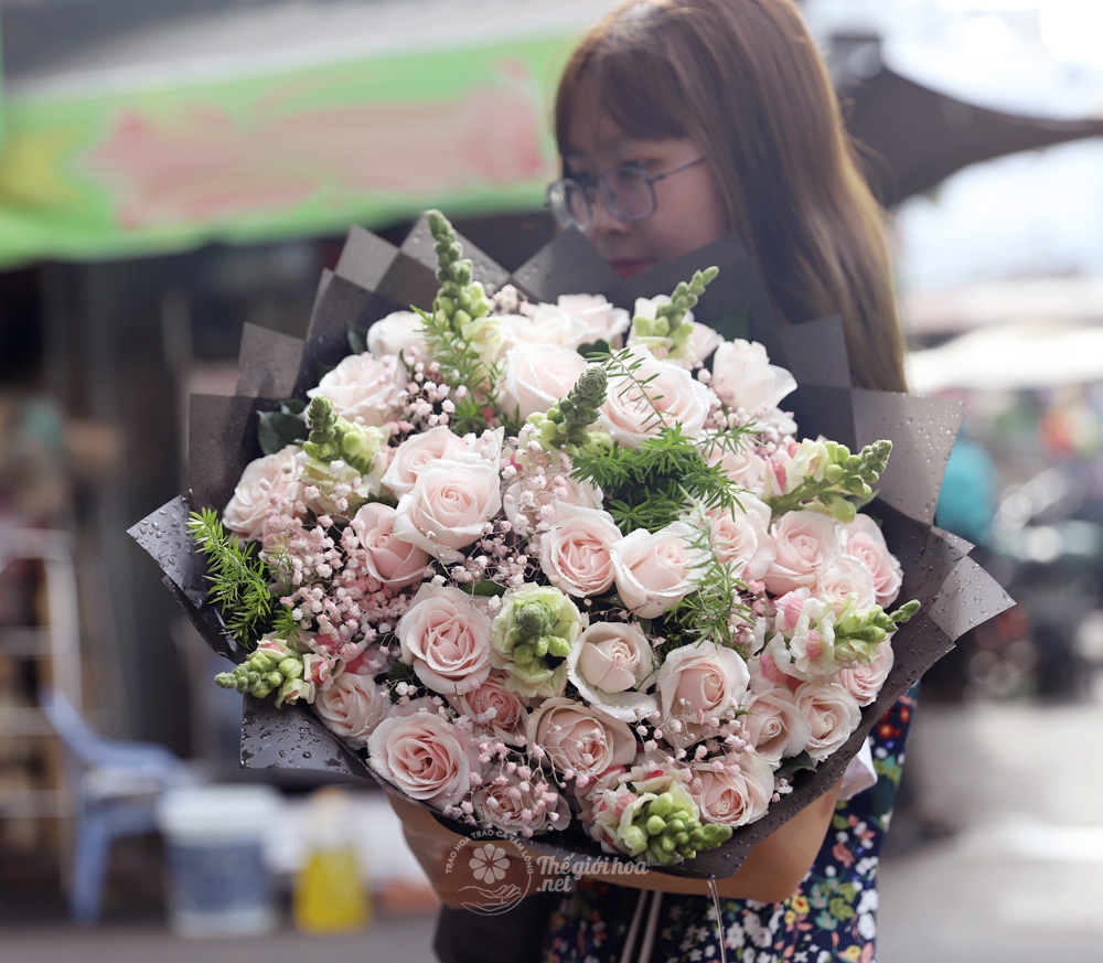 hoa sinh nhật tuổi trẻ