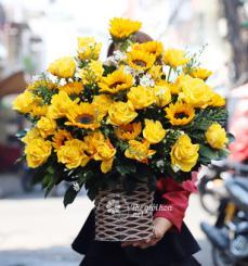 Giỏ hoa sinh nhật ngọt ngào tinh khôi