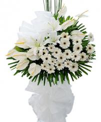 Lẵng hoa tang lễ hư vô