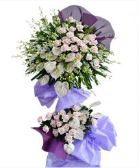Tràng hoa tang khúc trầm buồn