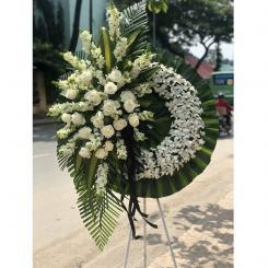 Vòng hoa tang đẹp - Đất mẹ
