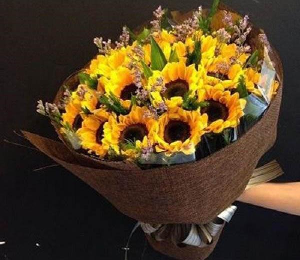 Hoa sinh nhật nắng vàng